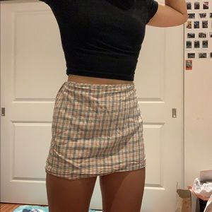 YESSTYLE SKIRT (BURBERRY DUPE)